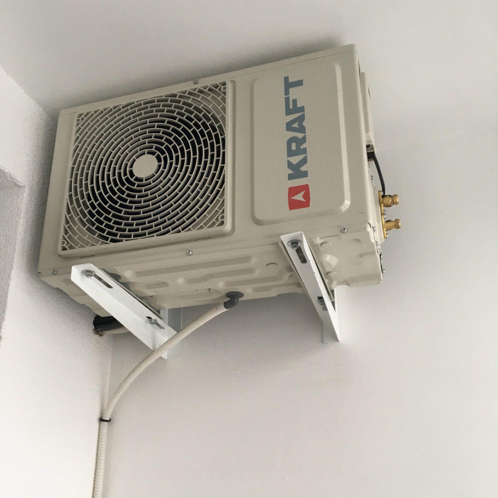 Крепление оборудования к стене